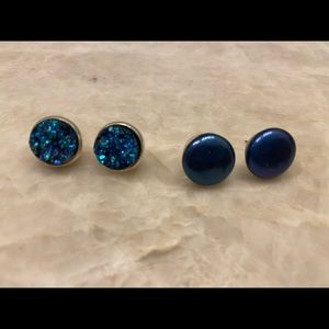 2 PAIR NAVY BLUE SS PEARL & CRYSTAL STUD EARRINGS